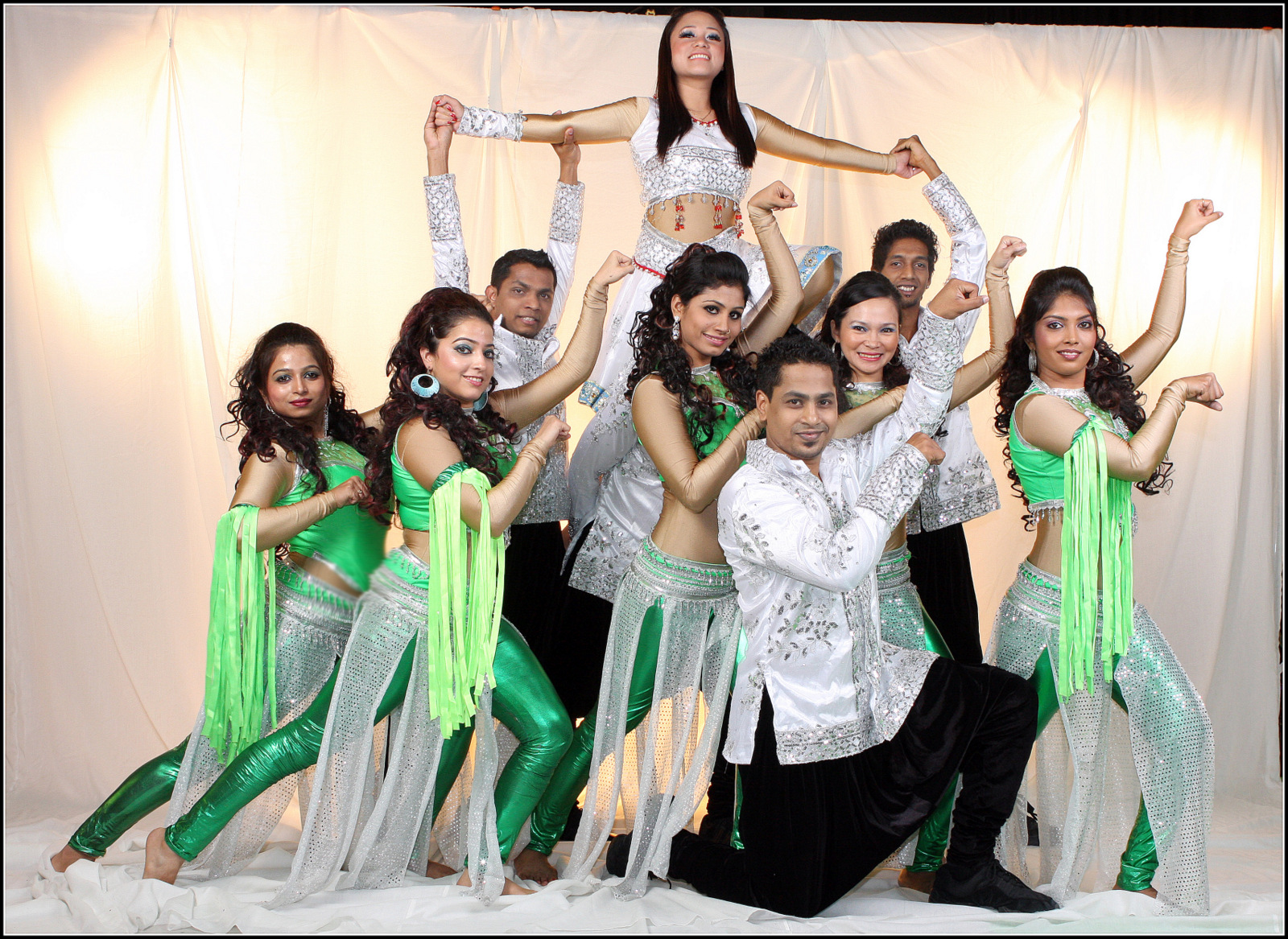 Bollywood Dancers for road show in dubai