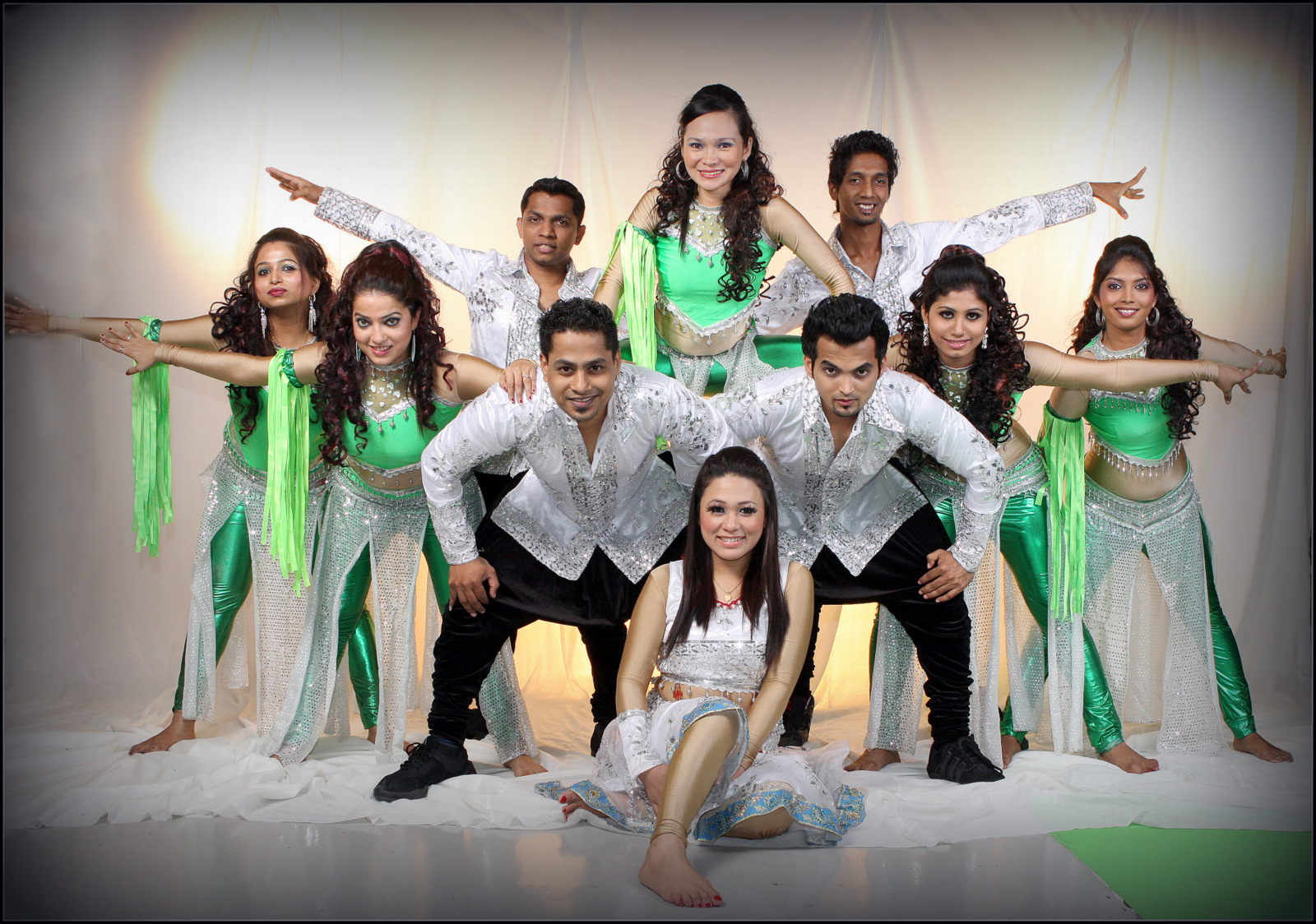 Dance Troupe for corporate show in dubai